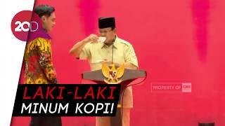 Gaya Pidato Prabowo Sambil Ngopi Tiru Model Iklan