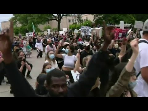 22-year-old woman diffuses tension, chaos during Detroit protests