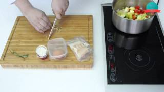 Треска с грецким орехом и овощным рагу