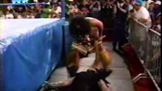 1993 07 05 Raw   Undertaker vs Samu