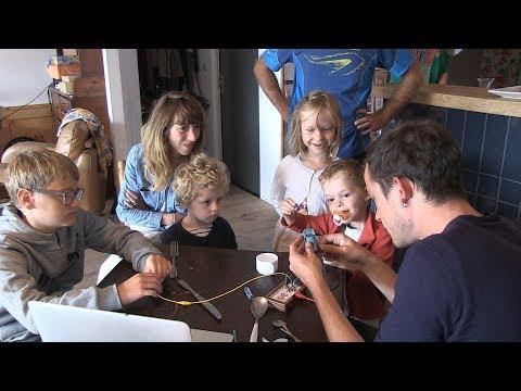Au Café la Smalah, on bidouille le numérique en famille