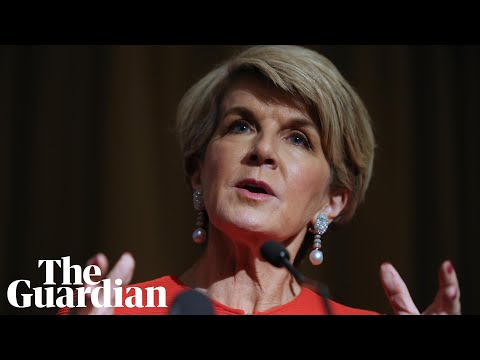 Julie Bishop: voters risk being 'duped' by populist political leaders