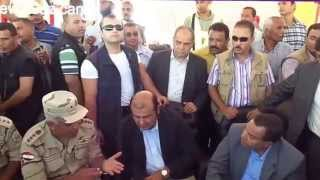 : the arrival of a convoy of support from the Ministry of Supply to workers in September 2014