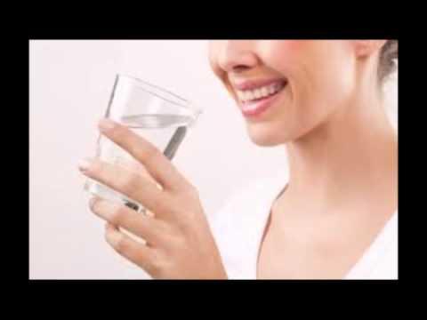 Es cierto que tomar agua tibia en ayunas te ayuda a bajar de peso?