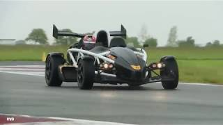Jazda Ferrari F430 vs Ariel Atom video