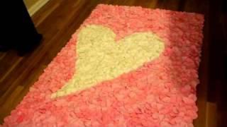 2011 Wedding Trends - 3-d Rose Petal Aisle Runner
