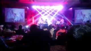 Download Hindi Video Songs - Mukkala Muqabla (Dance Performance)