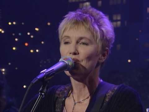 "Eliza Gilkyson - ""Welcome Back"" [Live from Austin, TX]"