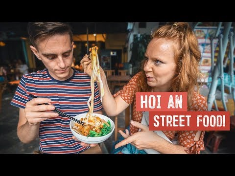 Eating LOCAL STREET FOOD in HOI AN! - Vietnamese Cao lầu, Mì