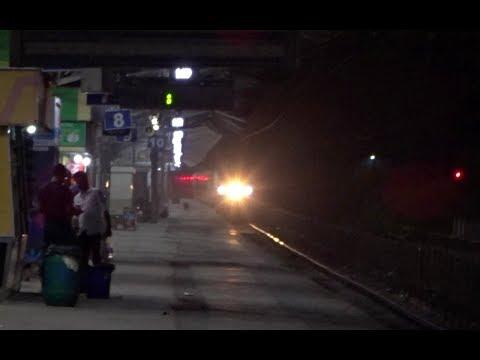 Back to Back Overtakes : New Delhi Duronto + Ahmedabad Duronto vs ADI Passenger : INDIAN RAILWAYS