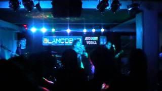 hroes del silencio tribute in blanco bar by la alacena
