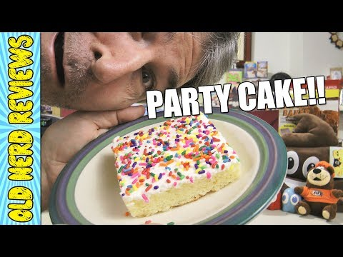 BakeCo Party Cake REVIEW (Eating The Dollar Stores, EP #44) 🍰🤓