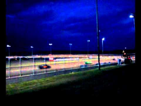 May 6, 2011 Mineral City Speedway... video #1