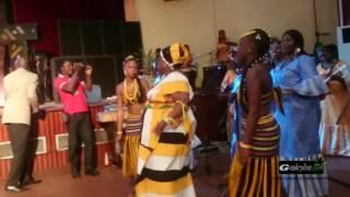 La Reine Pelagie feat les  Amazones de Guinée. - Ziboté rmix à Conakry.