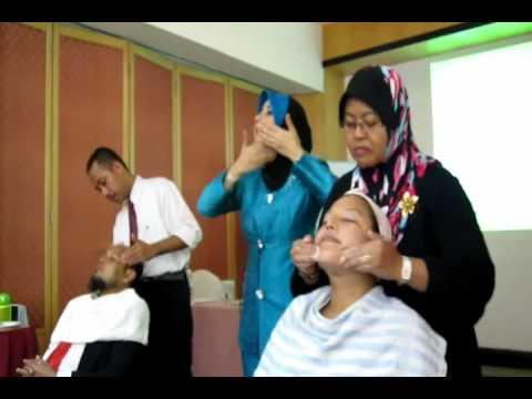 Proses Pembuatan Keripik Getuk (Jetcolet) from YouTube · Duration:  6 minutes 32 seconds