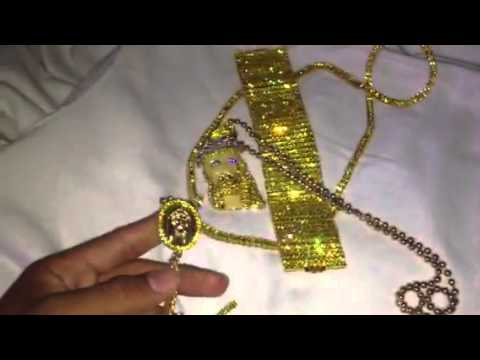 Gucci mane flexin 2 000 000 worth of jewelry doovi for Lil flip jewelry collection
