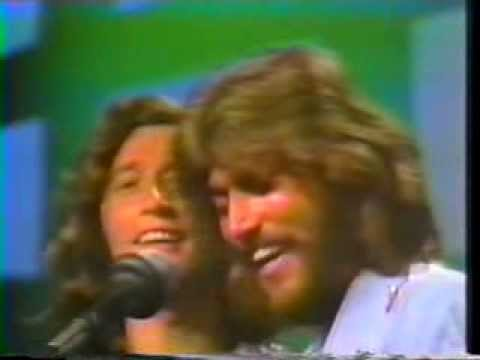 Bee Gees - World  LIVE @ Soundstage, Chicago 1975  Song 6/19