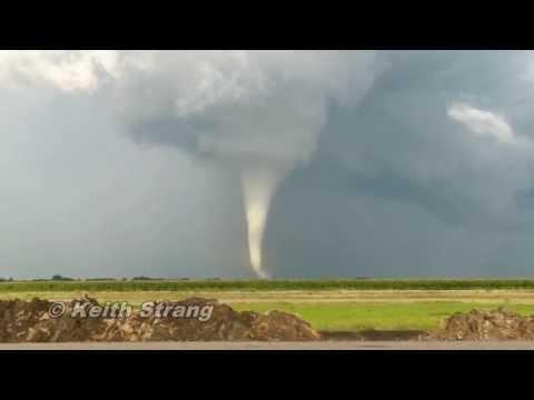 Wilkin County Tornado!  2010. AMAZING!