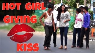 Hot Girl Giving KISS ( चुम्मा / Chumma) to Strangers