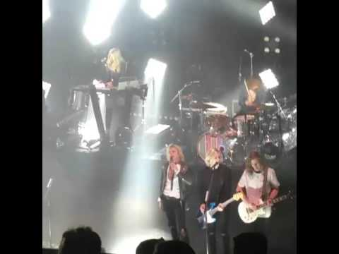 R5 only world's best band live in richmond