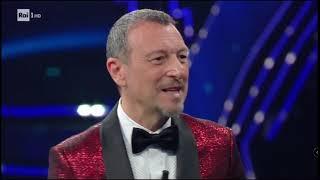 Sanremo 2021, Donato Grande sul palco dell'Ariston
