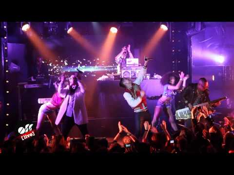 OFF LIVE -- Far East Movement : « Live My Life »