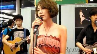 Olivia:海枯石爛-ROMANCE promotion- 2011.7.30_Olivia新專輯信義誠品簽唱會-4/7