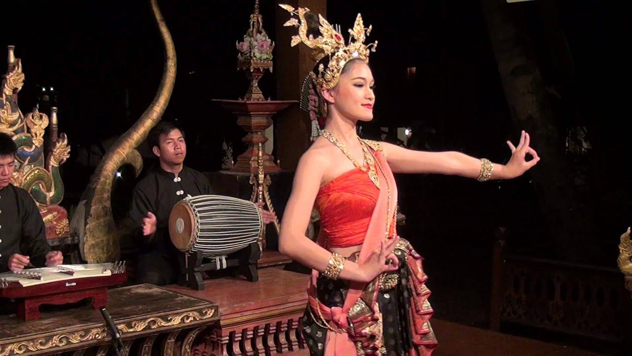 Thai Cultural Dance, Chiang Mai. in HD. - YouTube