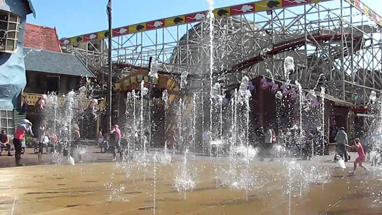 Blackpool pleasure beach shows 2009