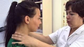 видео Жить здорово! Почему у женщин выпадают волосы