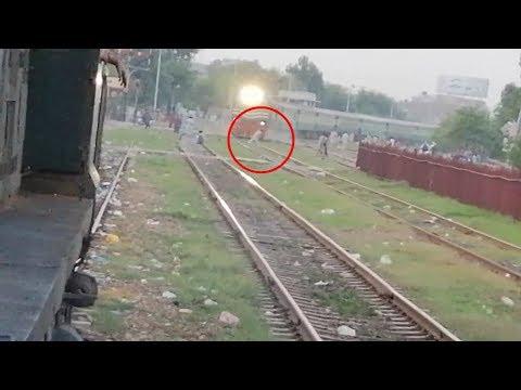 Super View of Awam Express arriving Shahdara Junction || Pakistan Railways
