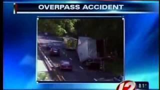 Video Truck hits overpass on Merritt Parkway in Conn. download MP3, 3GP, MP4, WEBM, AVI, FLV Agustus 2018