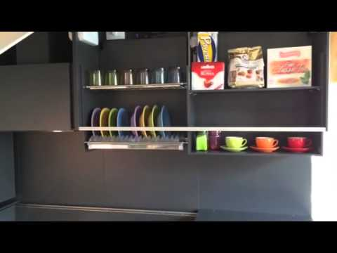 Cucine per disabili ergokitchen - YouTube