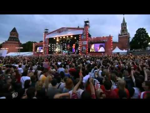 Shakira - Hips Don't Lie (LIVE in Russia)