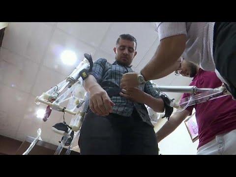 شاهد: طلاب مصريون ينجحون في تطوير بدلة لرفع الأجسام الثقيلة…  - نشر قبل 29 دقيقة