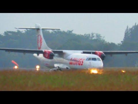 Perhatikan Ketika Pesawat Wings Air Ini Menyentuh Landasan (Pesawat Terbang Indonesia)