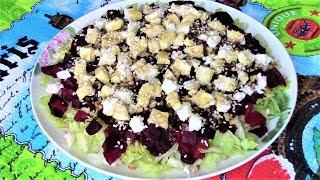 Сочный и очень вкусный салат из свеклы с хрустящим салатом айсберг, рассольным сыром и орехами.