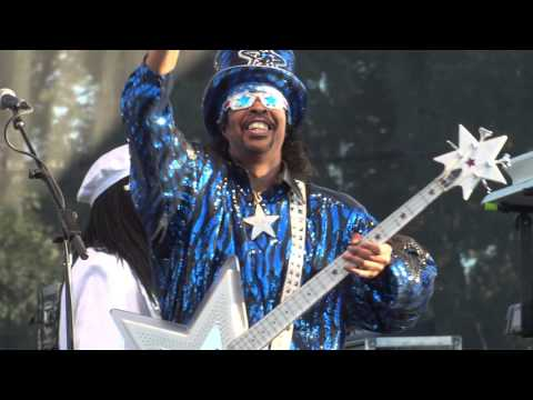 09-12-15 - Bootsy Collins at Riot Fest 2015 - Intro, Give Up The Funk