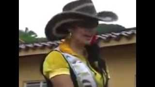 حصان يهيج علي ملكة جمال المكسيك مش هتصدق ال بتشوفه  +18