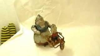 Lehmann Powerful Katrinka Wheelbarrow Wind-up Toy