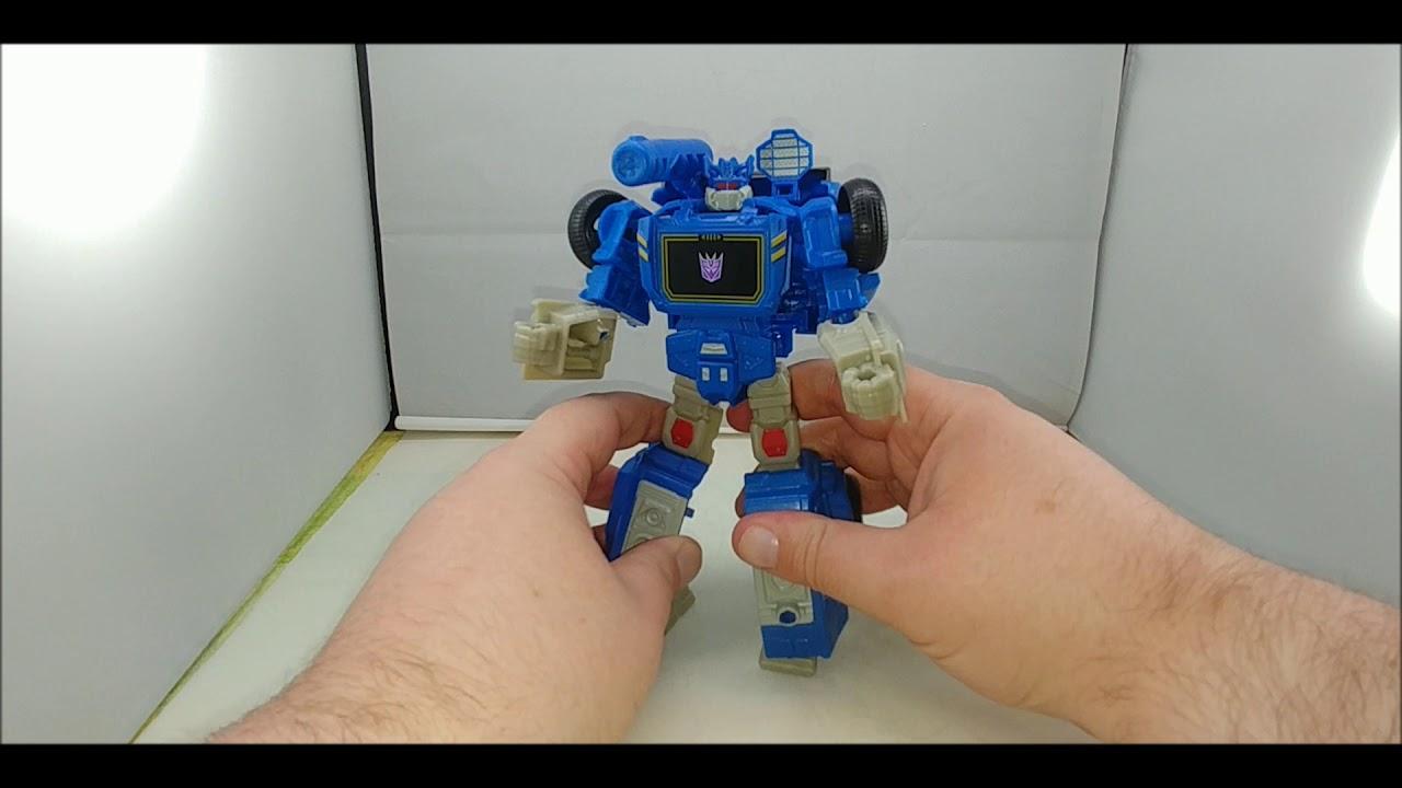 Chuck's Reviews Transformers Authentics Soundwave