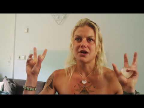 Elisa Namaste: The Naked Truth!