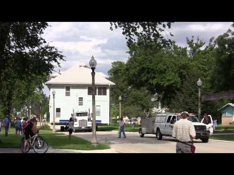 Parsonage Move in Lindsborg, Kansas 8-16-11
