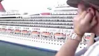 Cruise ship horn battle!!