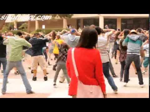 cầu hôn bằng flash mob