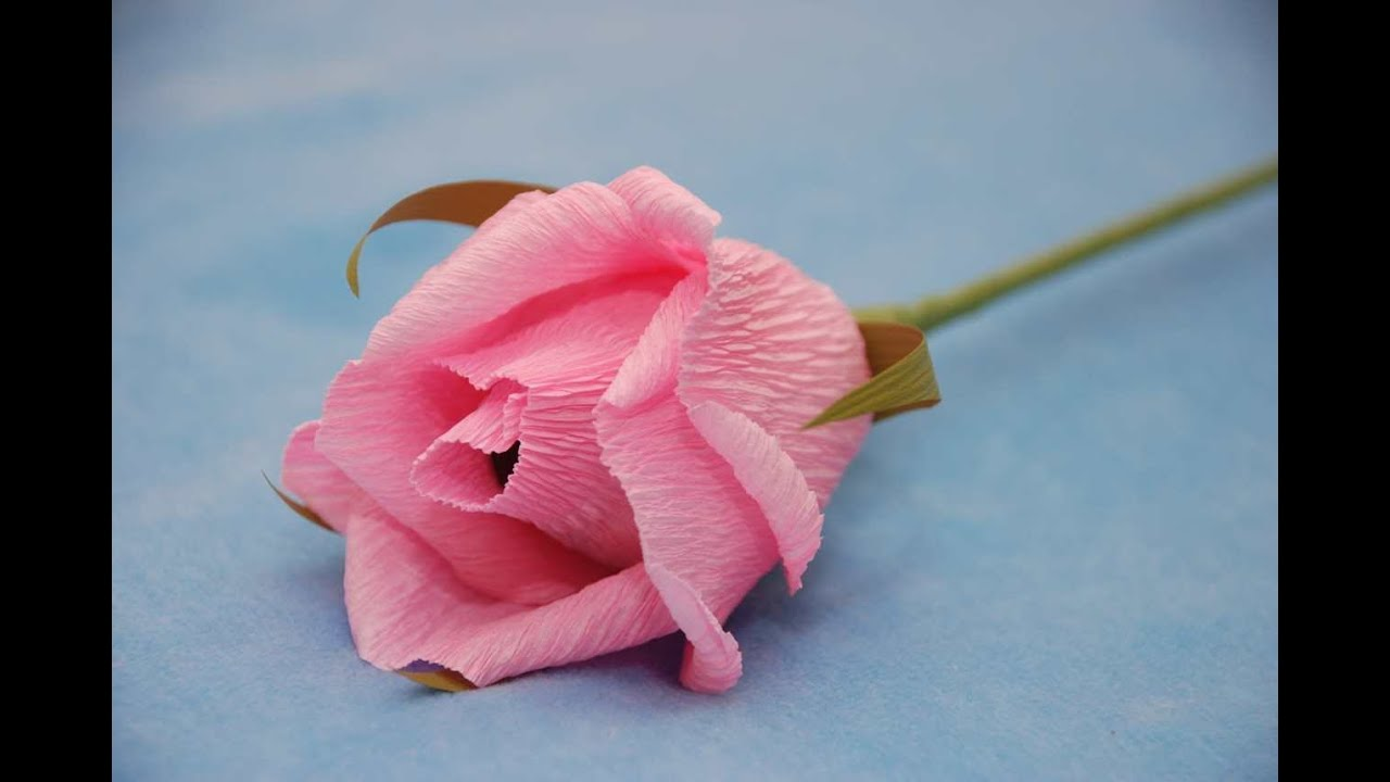 Как сделать розы из гофрированной бумаги с конфетами мастер класс