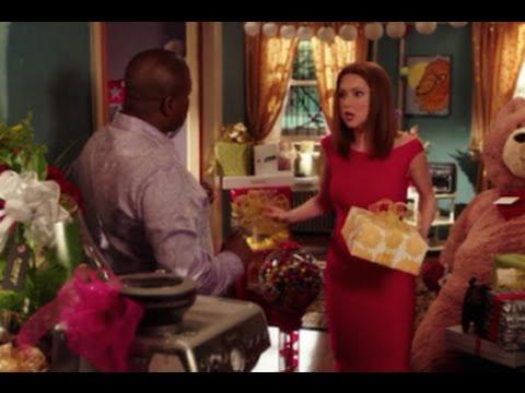 Download Unbreakable Kimmy Schmidt Season 1 Episode 9 Review & After Show | AfterBuzz TV