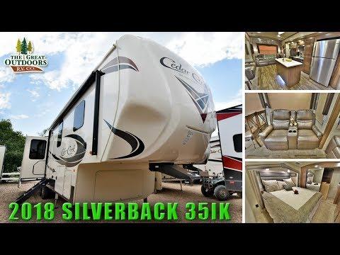new-2018-island-kitchen-cedar-creek-silverback-35ik-large-bathroom-fifth-wheels-colorado-rv
