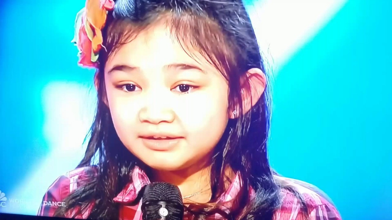 Americas got talent 2017 9 year old opera singer - 9 Year Old Girl Can Sing On America S Got Talent Unbelievable