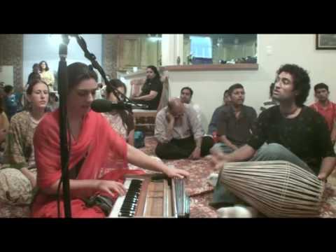 Bhajan - Kalindi dasi - Hare Krishna